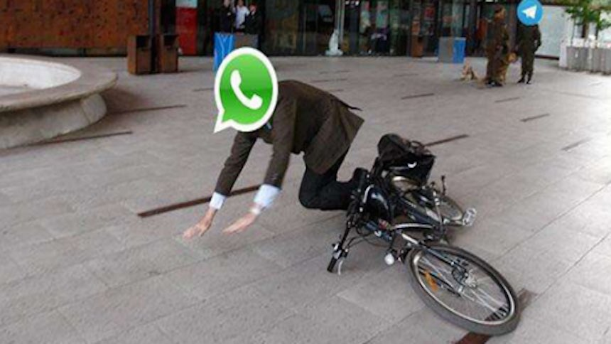 Photo of Mayday!!! WhatsApp is currently down globally.