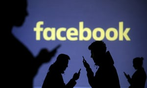 Photo of Facebook gives Users Data to Phone makers, like Apple and Samsung
